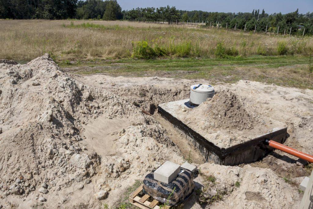 under working under ground septic tank